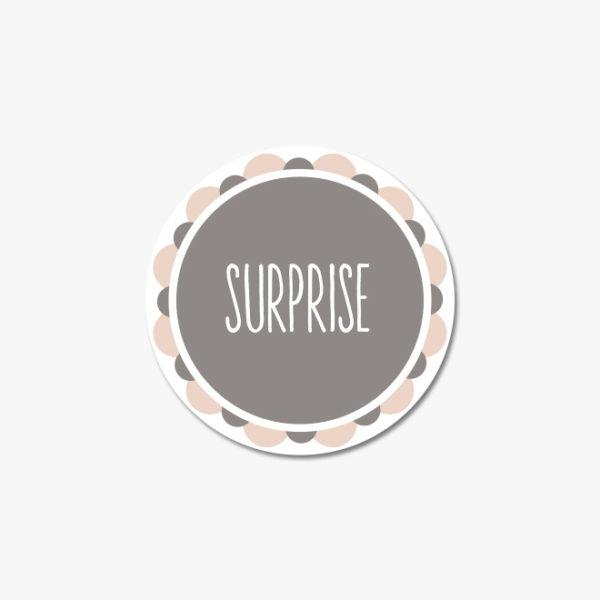 Autocollant surprise