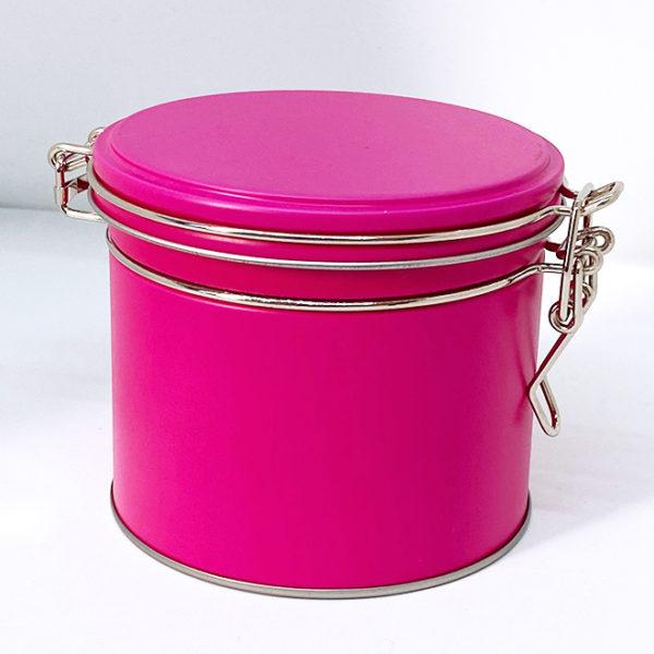 Boîte métallique rose fuchsia