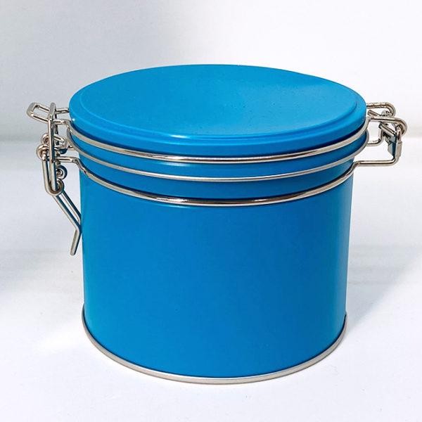 Boîte métallique bleu pétrole