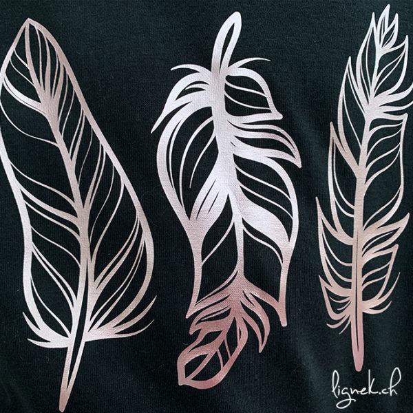 Sweat-shirt plumes